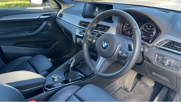 2020 BMW XDrive18d M Sport X (Blue) - Image: 6
