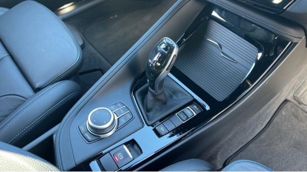 2020 BMW XDrive18d M Sport X (Blue) - Image: 10