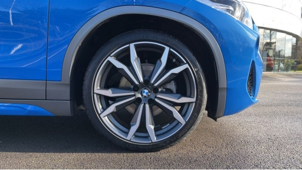 2020 BMW XDrive18d M Sport X (Blue) - Image: 14