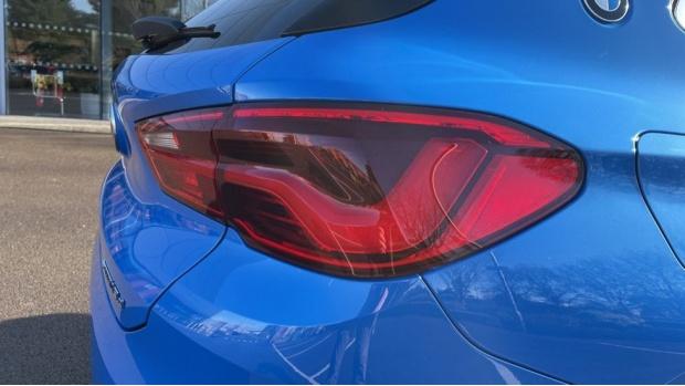 2020 BMW XDrive18d M Sport X (Blue) - Image: 21