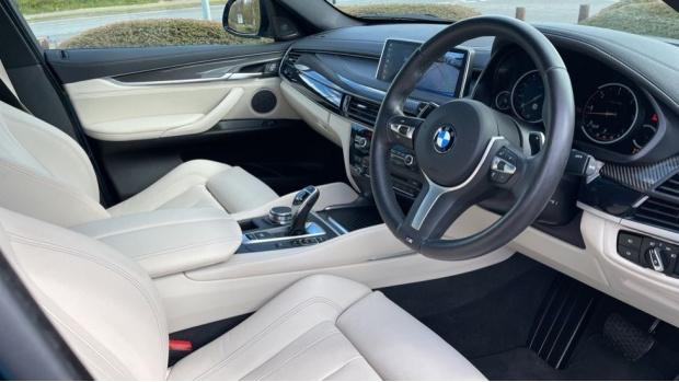 2018 BMW XDrive40d M Sport (Blue) - Image: 6