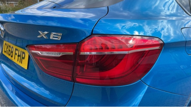 2018 BMW XDrive40d M Sport (Blue) - Image: 22