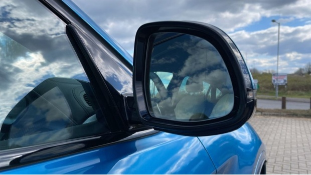 2018 BMW XDrive40d M Sport (Blue) - Image: 26