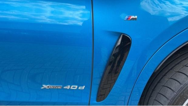 2018 BMW XDrive40d M Sport (Blue) - Image: 27