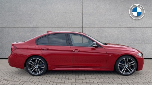 2018 BMW 320i M Sport Shadow Edition Saloon (Red) - Image: 3