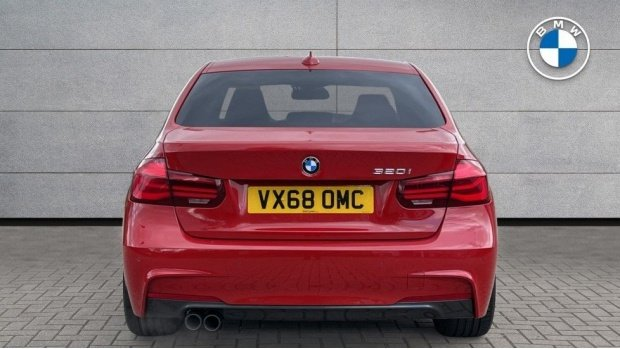 2018 BMW 320i M Sport Shadow Edition Saloon (Red) - Image: 15