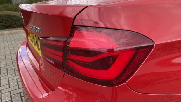 2018 BMW 320i M Sport Shadow Edition Saloon (Red) - Image: 22