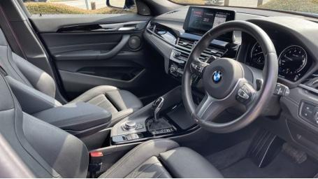 2019 BMW M35i (Blue) - Image: 6