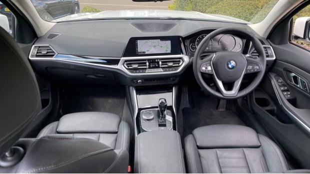 2020 BMW 318d Sport Saloon (White) - Image: 4