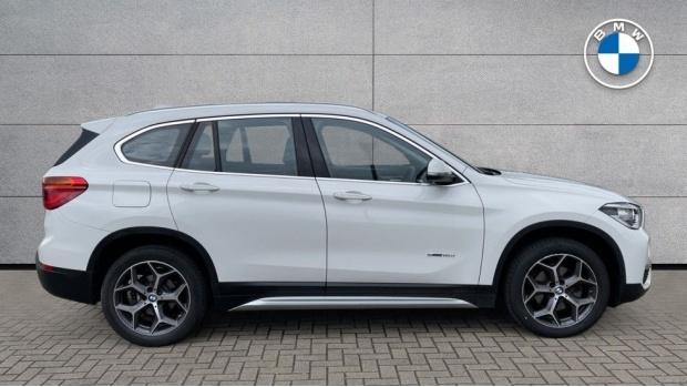 2017 BMW SDrive18d xLine (White) - Image: 3