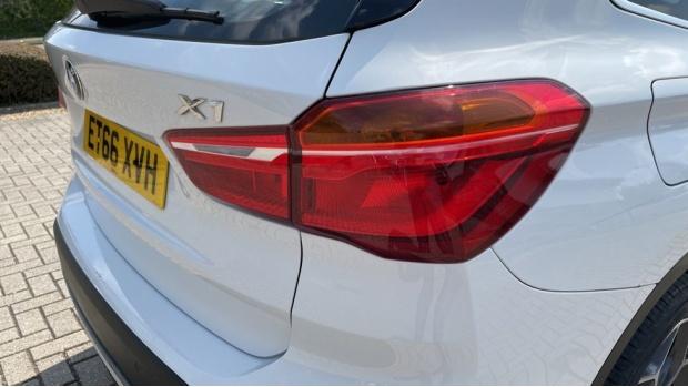 2017 BMW SDrive18d xLine (White) - Image: 22