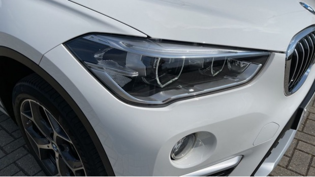 2017 BMW SDrive18d xLine (White) - Image: 23