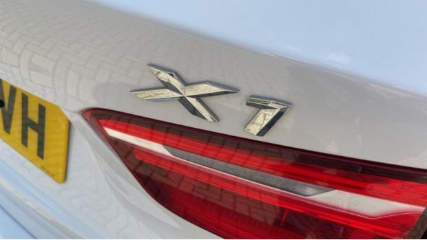 2017 BMW SDrive18d xLine (White) - Image: 33