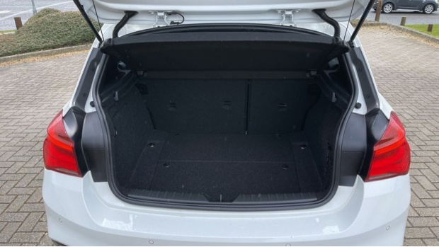 2018 BMW 120i M Sport 5-door (White) - Image: 13