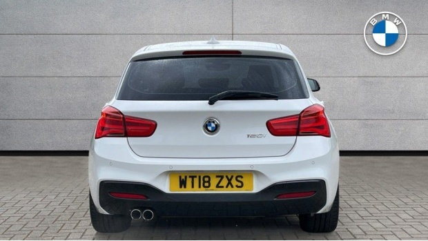 2018 BMW 120i M Sport 5-door (White) - Image: 15