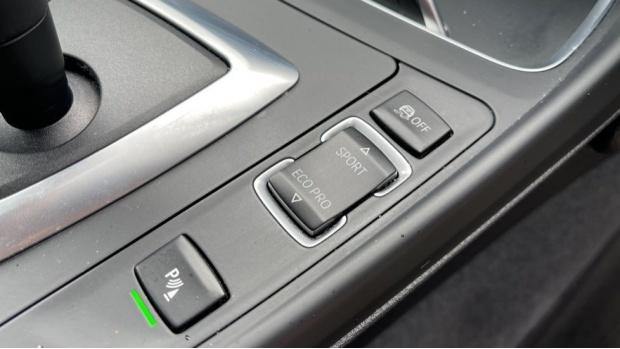 2018 BMW 120i M Sport 5-door (White) - Image: 19