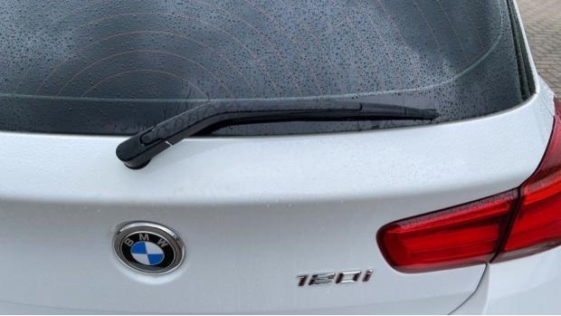 2018 BMW 120i M Sport 5-door (White) - Image: 34