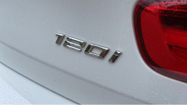 2018 BMW 120i M Sport 5-door (White) - Image: 35