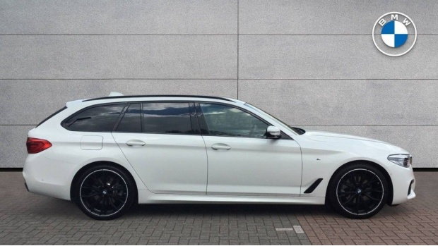 2020 BMW 520d M Sport Touring (White) - Image: 3