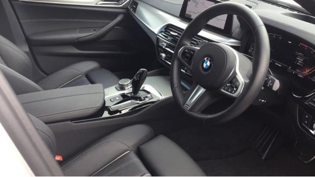 2020 BMW 520d M Sport Touring (White) - Image: 6
