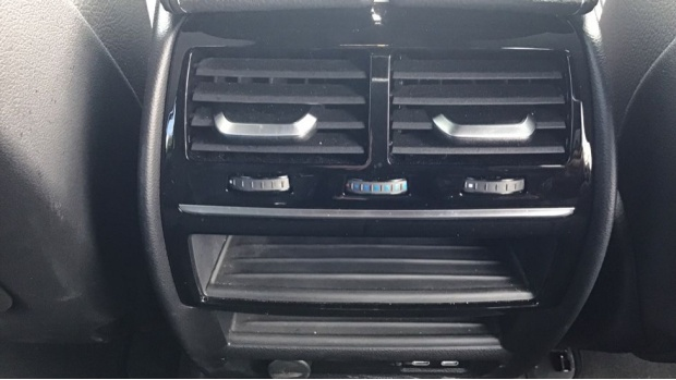 2020 BMW 520d M Sport Touring (White) - Image: 33