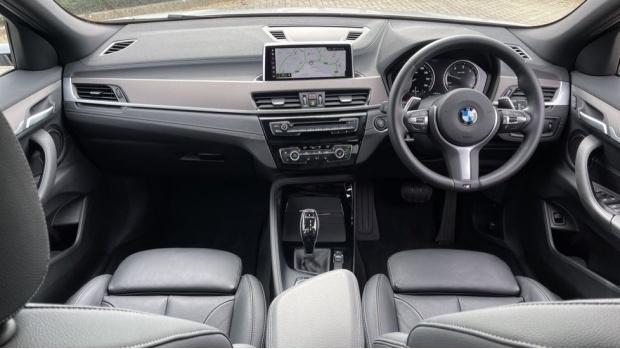 2020 BMW XDrive18d M Sport X (White) - Image: 4