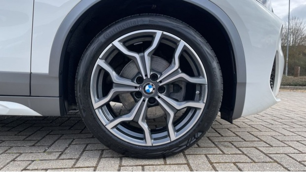 2020 BMW XDrive18d M Sport X (White) - Image: 14