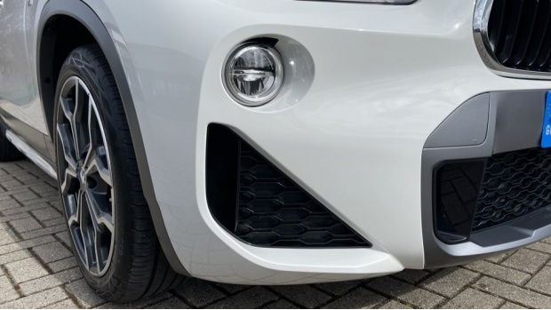 2020 BMW XDrive18d M Sport X (White) - Image: 27