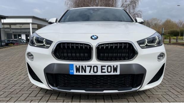 2020 BMW XDrive18d M Sport X (White) - Image: 28