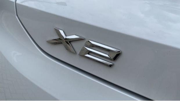 2020 BMW XDrive18d M Sport X (White) - Image: 33