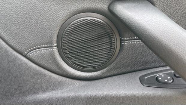 2020 BMW XDrive18d M Sport X (White) - Image: 39