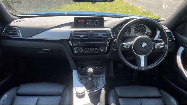 2018 BMW 420d M Sport Coupe (Blue) - Image: 4