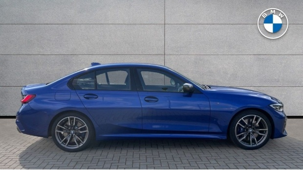 2020 BMW M340i xDrive Saloon (Blue) - Image: 3
