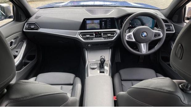 2020 BMW M340i xDrive Saloon (Blue) - Image: 4