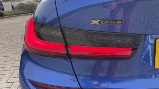 2020 BMW M340i xDrive Saloon (Blue) - Image: 34