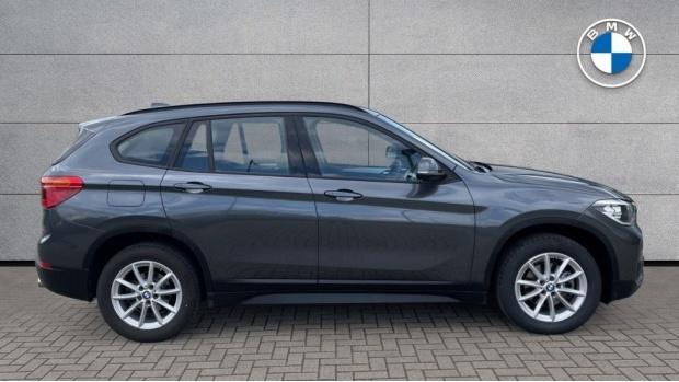 2018 BMW SDrive18d SE (Grey) - Image: 3
