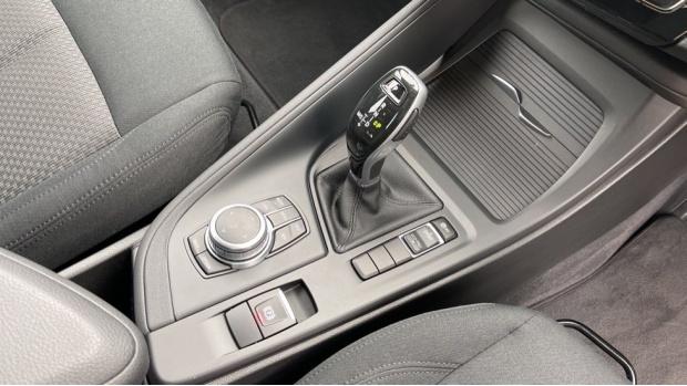 2018 BMW SDrive18d SE (Grey) - Image: 10