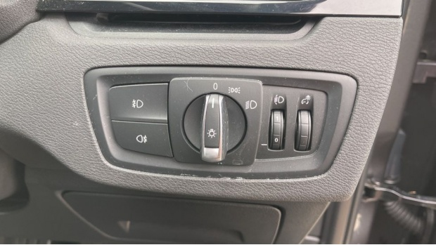 2018 BMW SDrive18d SE (Grey) - Image: 40