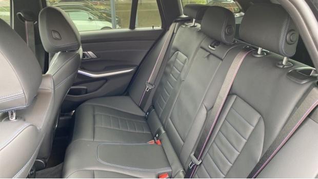 2020 BMW 320d M Sport Touring (Black) - Image: 12