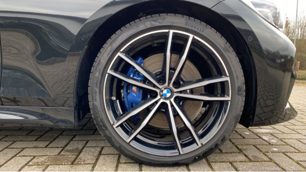 2020 BMW 320d M Sport Touring (Black) - Image: 14