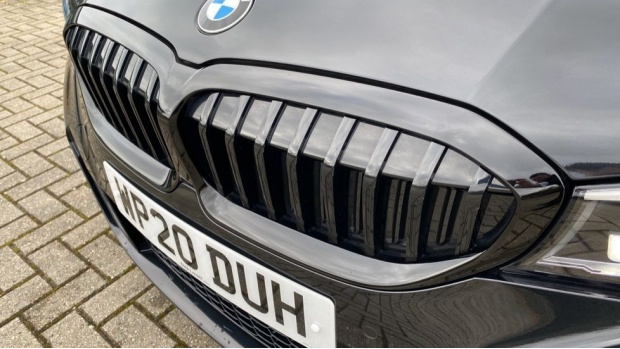 2020 BMW 320d M Sport Touring (Black) - Image: 27