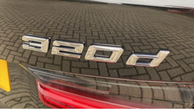 2020 BMW 320d M Sport Touring (Black) - Image: 29
