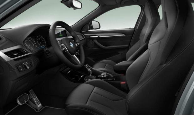 2021 BMW 18i M Mesh Edition DCT sDrive 5-door (Grey) - Image: 3