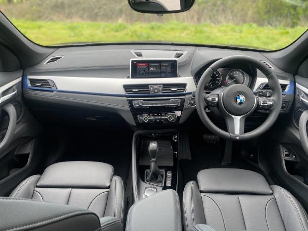 2021 BMW 25e 10kWh M Sport Auto xDrive 5-door (Black) - Image: 4