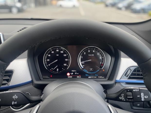 2021 BMW 25e 10kWh M Sport Auto xDrive 5-door (Black) - Image: 9
