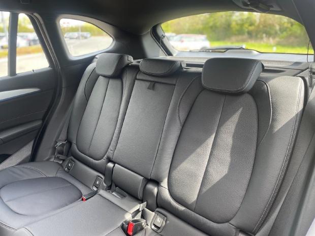 2021 BMW 25e 10kWh M Sport Auto xDrive 5-door (Black) - Image: 12