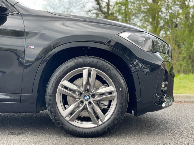 2021 BMW 25e 10kWh M Sport Auto xDrive 5-door (Black) - Image: 14