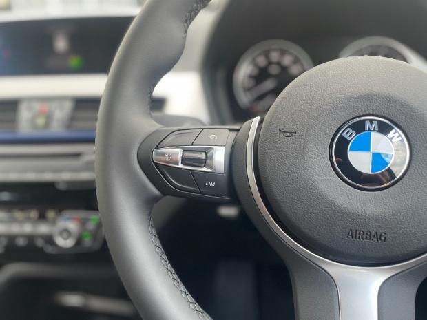 2021 BMW 25e 10kWh M Sport Auto xDrive 5-door (Black) - Image: 17