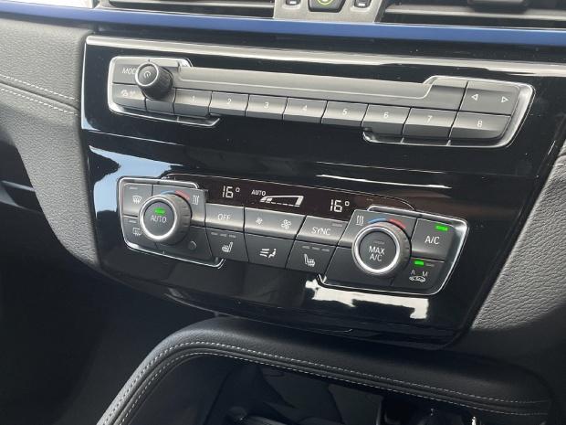 2021 BMW 25e 10kWh M Sport Auto xDrive 5-door (Black) - Image: 22