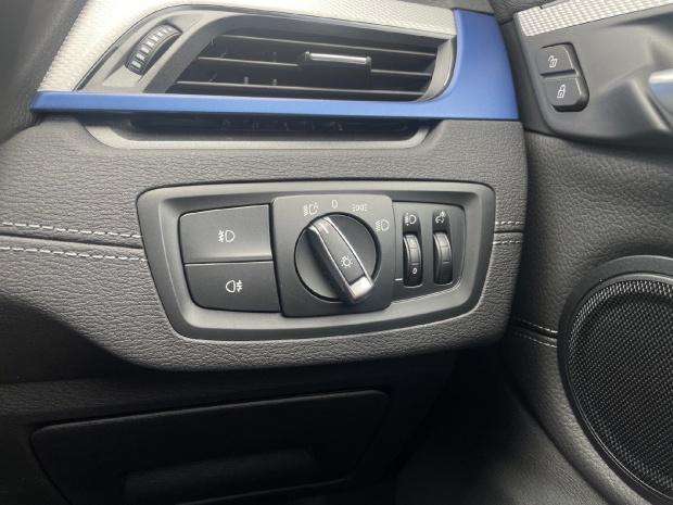 2021 BMW 25e 10kWh M Sport Auto xDrive 5-door (Black) - Image: 24